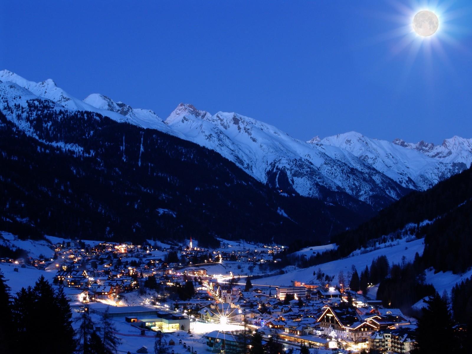 Anton bei Nacht Arlberg